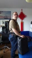 Onli Travel 2 Rucksäcke auf dem Rücken und Trolley separat